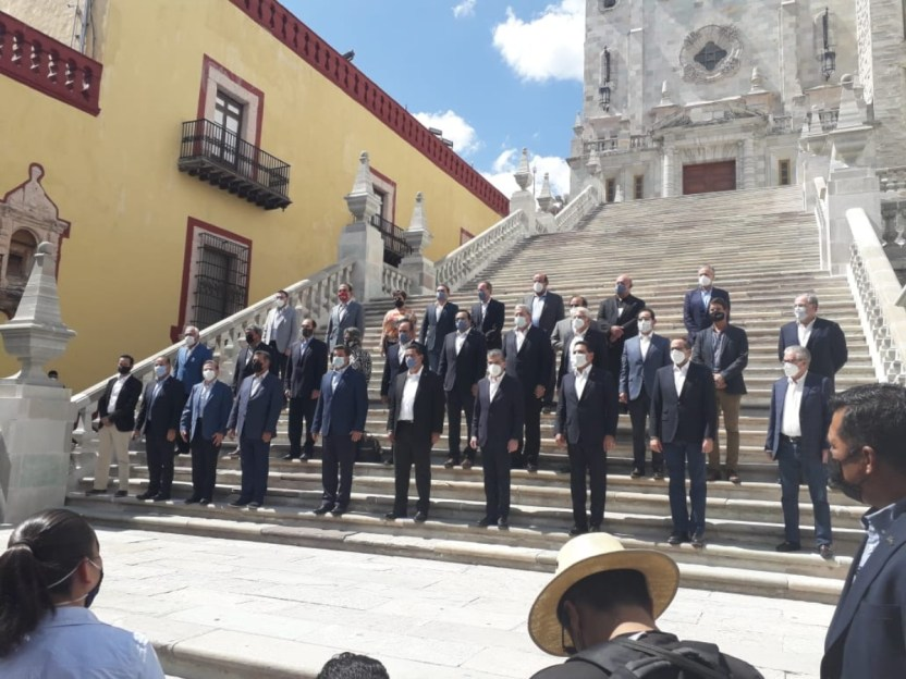Gobernadores alianza - López-Gatell divide a gobernadores del PAN y exhibe la orfandad del PRI