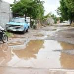 ejido mexico x4x crop1596135345546.jpg 673822677 - Pasan de calles a lagunas con las lluvias en ejido México del municipio de Ahome