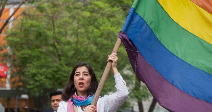 lgbt 1 - Comunidad LGBT protesta en BC para exigir al Congreso que apruebe el matrimonio igualitario