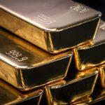 GettyImages 1227917506 scaled - Por qué el precio del oro superó el récord de los $2,000 dólares por onza mientras continúan los brotes de coronavirus