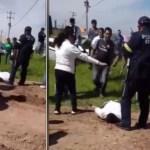 """hombre 1 - Adán casi es linchado en Edomex, policías lo rescatan; """"violó a una niña"""", gritaban los vecinos (VIDEO)"""