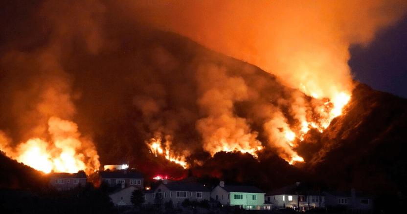 incendios los angeles - Tres incendios cerca de Los Ángeles, EU, son alimentados por vegetación seca y altas temperaturas
