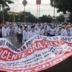 """marcha chiapas medico 1 - Se extienden las protestas por el médico acusado de """"abuso de autoridad"""" en Chiapas"""