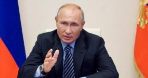 """putin - Gobierno de Putin registra vacuna contra la COVID-19; una de sus hijas es sometida al fármaco con """"éxito"""""""