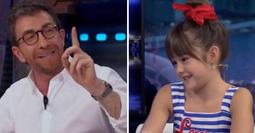 """44 nina adulto noviazgo infancia abuso incomodidad - """"Tengo 9 años, no 26"""": Así calló una niña a este conductor de TV por su pregunta impertinente"""