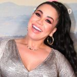 carolinasandoval sueltalasopa telemundo - Mostrando unos genitales de goma, Carolina Sandoval y su invitada dieron toda una clase de educación sexual para mujeres