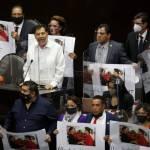 gerardo fernandez - Fernández Noroña exhibe la lista de los 126 diputados de Morena que votaron por el PRI