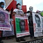 familiares ayotzinapa  crop1606635044172.jpg 242310155 - Exigen familiares 43 de Ayotzinapa investigación Cienfuegos