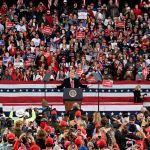 2738d7d29f458c996c40c8b9f2bd992aa43aed5e - Trump en Georgia: las mismas quejas, falsas acusaciones y 10,000 personas sin mascarillas