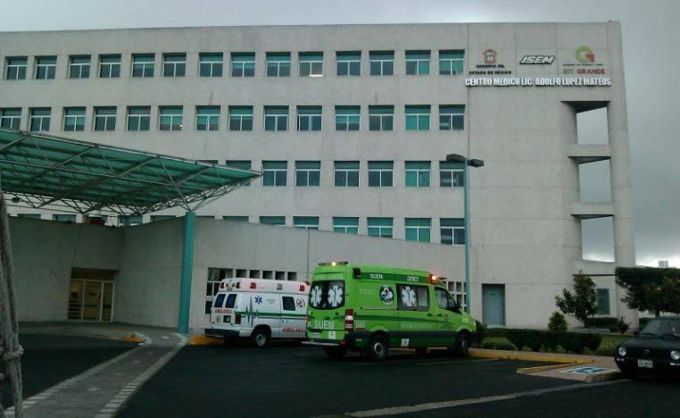 Centro Medico Toluca  - Separan de su cargo al director de hospital del Edomex que vacunó a su familia