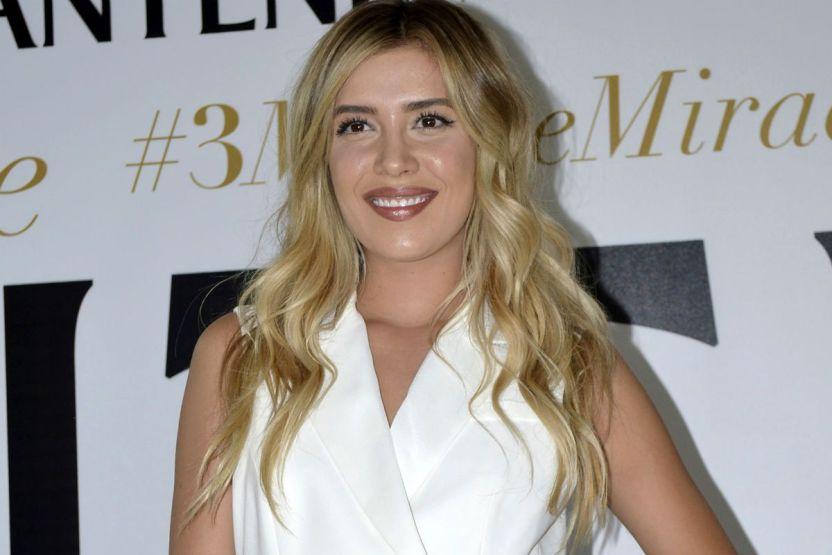 michellesalasmezcalent1 - Michelle Salas hace su debut en el festival de cine de Cannes, con espectacular vestido blanco