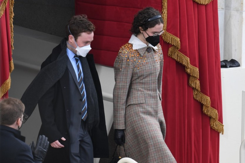 000 8Z74ZV - La hijastra de Kamala Harris ganó el desfile fashion en la investidura de Biden (FOTOS)