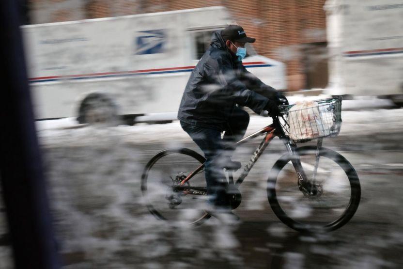 GettyImages 1291825269 - La gran tormenta invernal que llegó al oeste luego atravesará Estados Unidos
