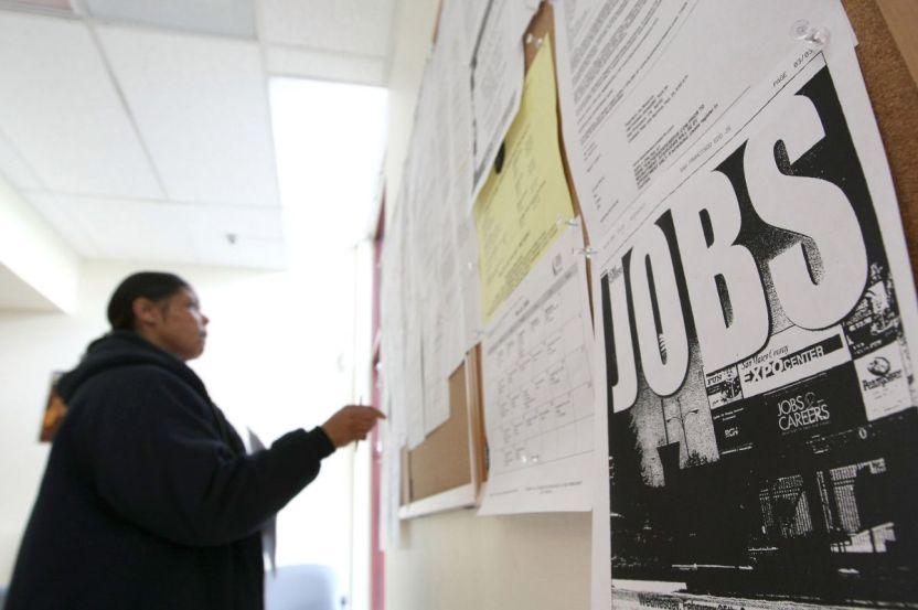 """GettyImages 85083609 - El EDD reconoce que encontró 3,5 millones de solicitudes del Seguro de Desempleo """"potencialmente fraudulentas"""""""