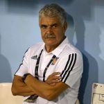 RicardoFerretti - 'Tuca' Ferretti podría ser sancionado por fumar en el banquillo previo al encuentro frente a Santos