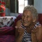 """abuelita vacuna portada - """"Prefiero darle la vacuna a alguien más joven"""": Mujer de 108 años rechazó vacunarse contra el COVID"""