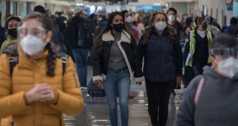 covid 6 - El paciente con nueva variante de SARS-CoV-2 está intubado: Salud; llegó a México desde Ámsterdam
