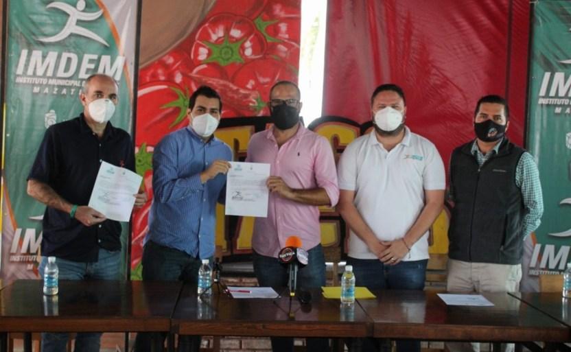 entrenadores ciclismo.jpg 242310155 - David Plaza y José García comandarán el selectivo municipal de Ciclismo