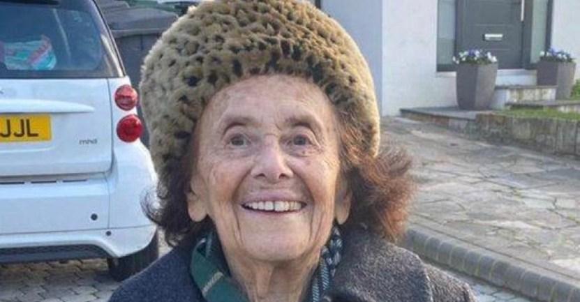 holocausto sobreviviente covid coronavirus  - Mujer sobreviviente del Holocausto realizó su primera caminata tras padecer COVID-19. Tiene 97 años