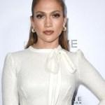 jennifer l ap crop1610660606623.jpeg 242310155 - ¡Mucha piel! Jennifer Lopez en su sesión más atrevida
