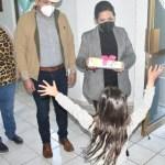 llevan regalos a nixos de la casa hogar en guasave por dxa de reyes crop1610010031786.jpeg 242310155 - Llevan regalos a niños de la casa hogar en Guasave por Día de Reyes