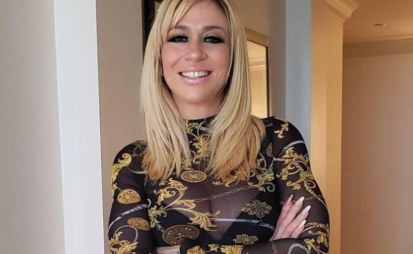 noelia cantante 8 x5x crop1611271779848.jpg 242310155 - ¡Deja Noelia a fans más enamorados con mini vestido negro!