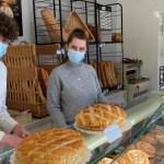 portada jovenes panaderos - A los 18 y 20 años, jóvenes se hacen cargo de una panadería. A su edad, saben el valor del trabajo