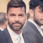 ricky y jwan traje instagram crop1611252408095.jpg 242310155 - ¿El susto de su vida? Esposo de Ricky Martin tiene percance
