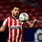 suarez 0122 efe - Letal y decisivo: Luis Suárez convirtió al Atlético de Madrid en el mejor equipo de La liga