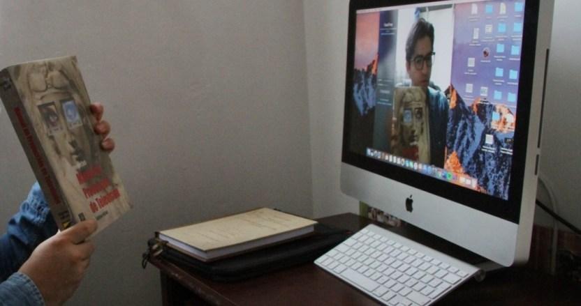 video maestro - Estudiante se sorprende al enterarse que recibe clases en línea de profesor que murió en 2019