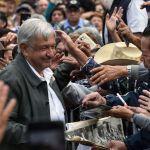 gettyimages 1043047608 e1539113217184 - ¿Por qué la gente quiere, respeta y protege a Obrador?
