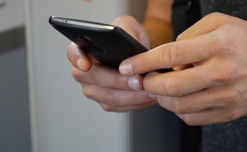 smartphone 2454611 1920 crop1612124176538.jpg 242310155 - ¿WhatsApp será de pago? Usuarios entran en pánico ante ello