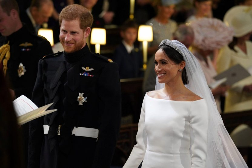 """2018 05 19T113049Z 1228088571 RC155928AD60 RTRMADP 3 BRITAIN ROYALS scaled - Certificado de matrimonio de Meghan y Harry los contradice sobre su """"boda secreta"""""""