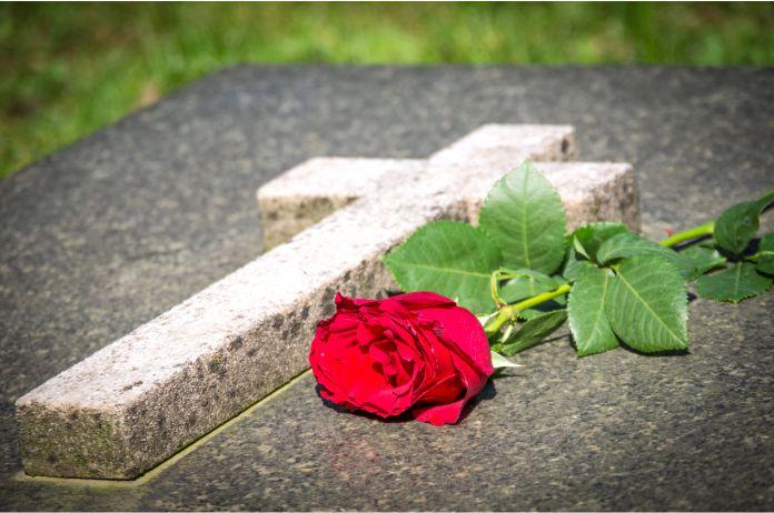 Como elegir una buena lapida funeraria de calidad y con las mayores garantias - Cómo elegir una buena lápida funeraria de calidad y con las mayores garantías