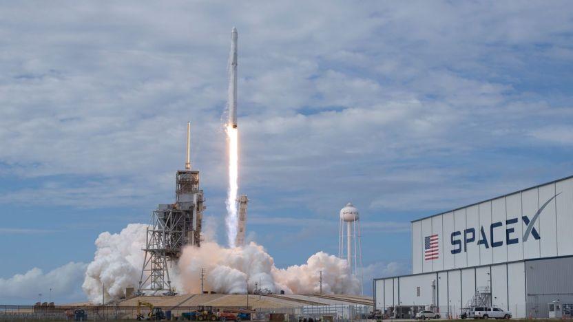 Starship SpaceX - Starship de SpaceX: el prototipo de nave espacial de Elon Musk logró aterrizar y después explotó