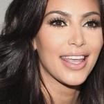 kim kardashian efe crop1614907667116.jpg 242310155 - Micro bikini de Kim Kardashian ¡Deja poco a la imaginación!