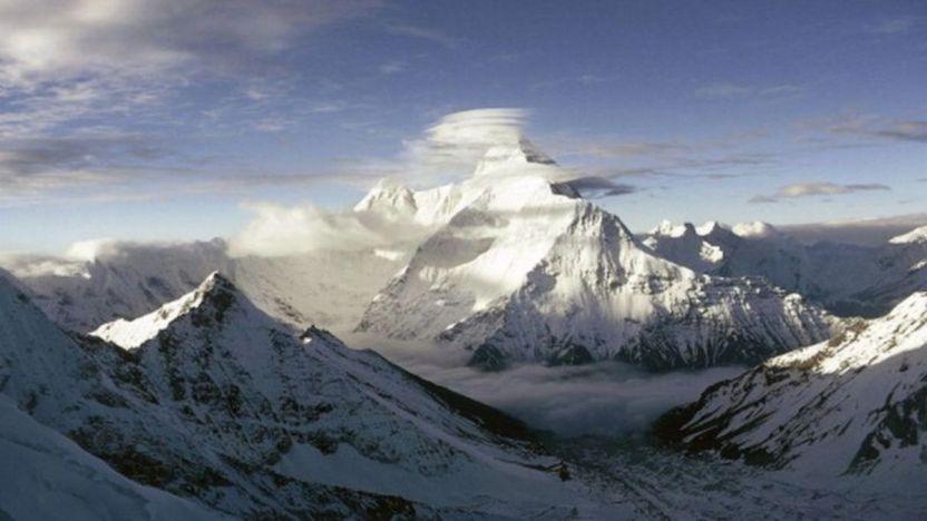 nanda devi himalaya 117013240 gettyimages 167394825 594x594 1 - Cómo EE.UU. e India perdieron plutonio en el Himalaya mientras trataban de espiar a China (y los riesgos que implica)