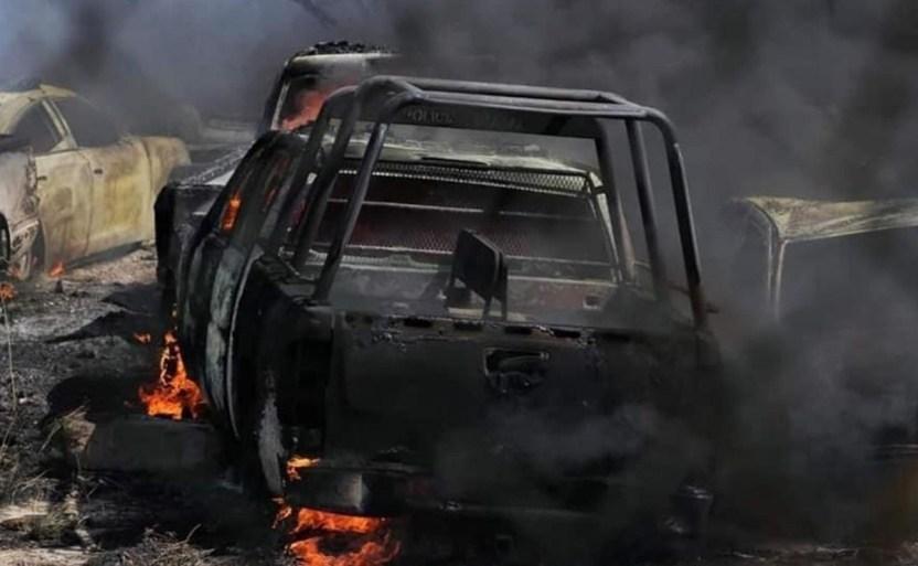 incendio cuartel morelia x3x 1 crop1617325332438.jpeg 242310155 - Incendio en terrenos del Cuartel de la SSP en Morelia, quema patrullas