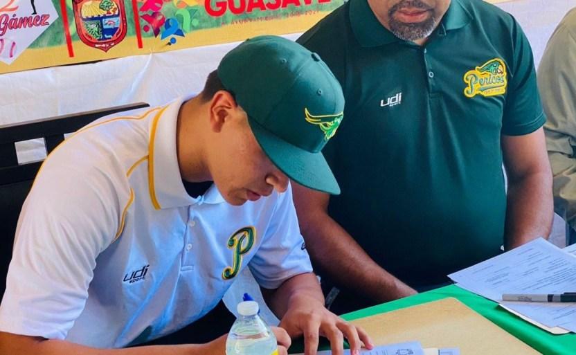212d7f27 5448 4536 8a00 0f9e227eb58a 20 crop1622344987710.jpg 242310155 - El joven Cristian Bórquez firmó para jugar con Pericos