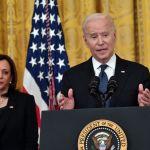GettyImages 1233005442 - Joe Biden firma la Ley de Crímenes de Odio por COVID-19