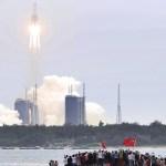 china cohete espacio 1 - Parte del cohete chino se desintegró y otra cayó en el Océano Índico