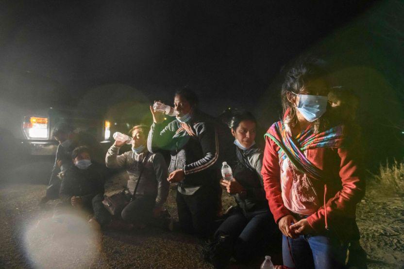 ninos inmigrantes GettyImages 1231987208 - Las detenciones de migrantes en la frontera rompen récord por tercer mes consecutivo