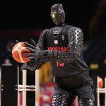 Robot Tokio 2020 - Video: un robot impresiona en Tokio 2020 al lanzar como Stephen Curry