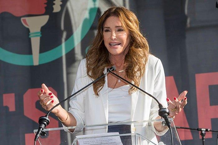 caitlyn jenner cordon1 z - Caitlyn Jenner se defendió ante acusaciones en medio de las elecciones revocatorias de California