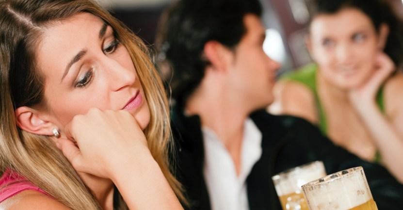 55 amor parejas amistades atractivos feo amiguitas noviazgo - Mujeres no gustan de los hombres con muchas amigas, según estudio. Los haría 40% menos atractivo