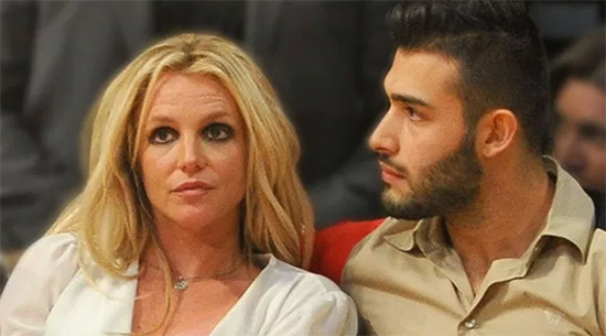 britney spears novio sam asghari - Britney Spears, SE CASA: La princesa del pop presumió su lujoso anillo (VIDEO)
