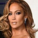 jennifer lopez empresaria ap.jpg 242310155 - ¡Jennifer Lopez impacta con micro atuendo para los VMA´s!