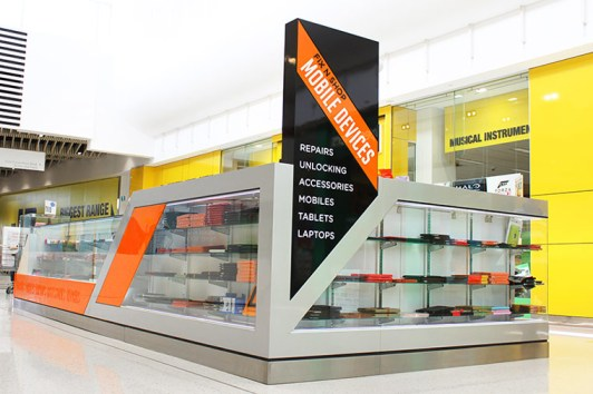 shop fitout in shopping center