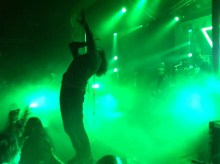 Mike Hranica reaching for the sky.