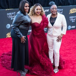 Regina Belle, Erica Campbell, & Kelly Price at the 34th Stellar Awards held at Orleans Arena, Las Vegas on March 29, 2019 in Las Vegas, NV, USA (Photo by: Mike Ware/Sipa USA)